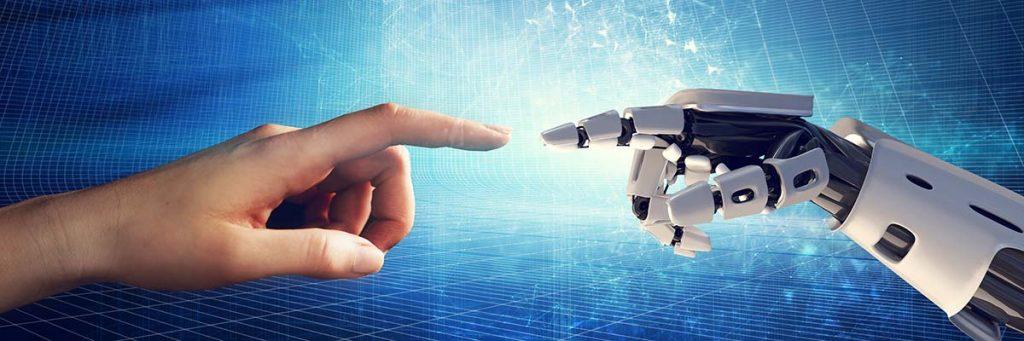 Fingersitzen von Mensch und Maschine berühren sich